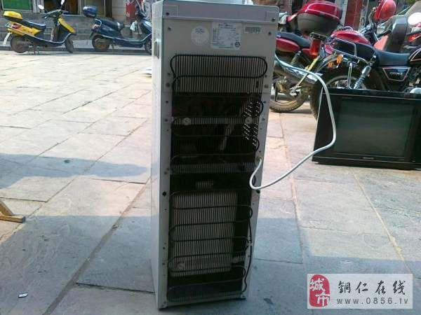 铜仁市九成新美的牌饮水机出售