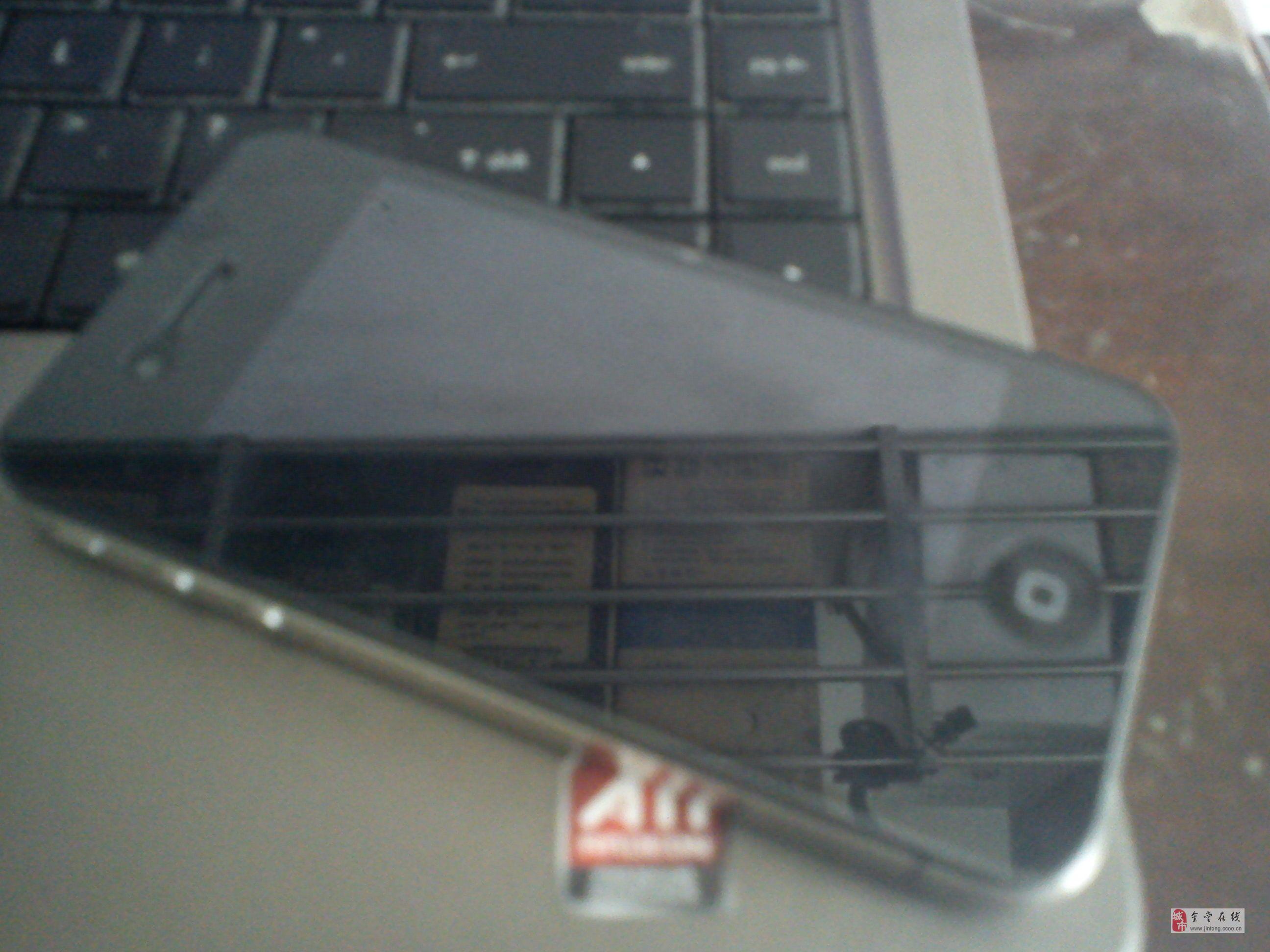 金堂地區低價出售無鎖版iphone4一部16G