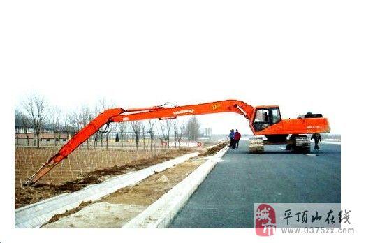 大宇挖掘机加长臂挖河沙