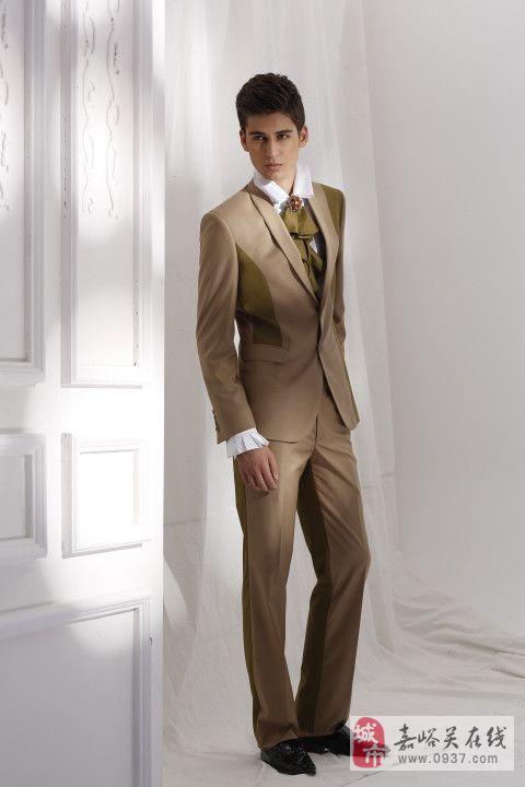 资深设计师独特设计的舒适型西装结构,在传承欧式礼服经典款式的基础