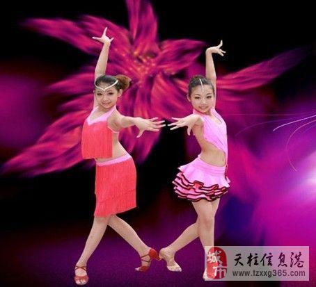 小百�`舞蹈培�中心
