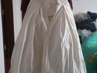 全新婚纱便宜转让,外送一套敬酒服