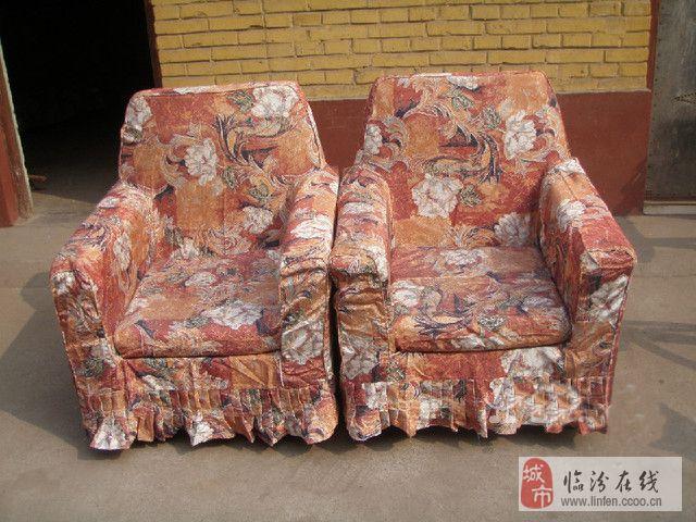 急售沙发床、两个单人沙发、电视柜、茶几、单人床