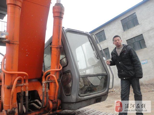 哈尔滨挖掘机学校学挖掘机不收钱