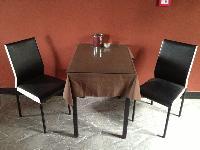 澳门威尼斯人在线娱乐餐桌椅95成新的12个桌子30个椅子有玻璃桌布