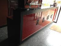 出售吧台一个,3.2米长,餐厅,酒吧,咖啡厅可用