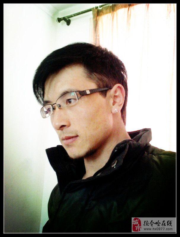 马海龙(男,32岁)