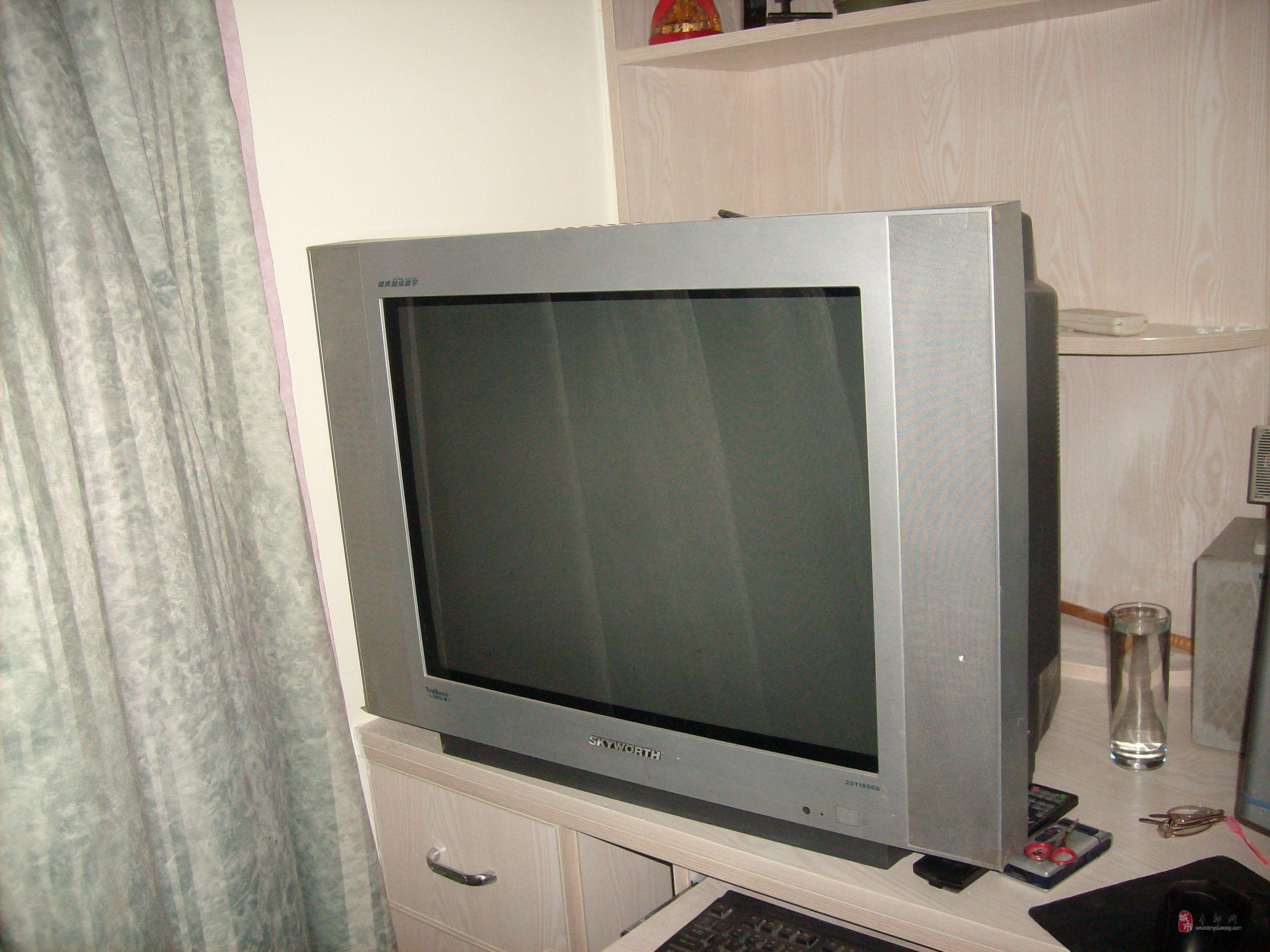 创维29寸电视正常使用中