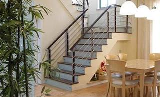 20万打造清新绿色小复式 让家与绿色相偎相依