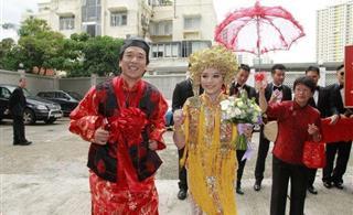 郭伟亮叶佩雯结婚中式婚礼 陈奕迅伴郎出席