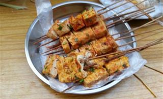 二小门口老烧烤,特色烤水豆腐、烤鸡肝