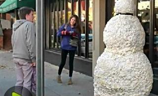 街头雪人恶作剧再次来袭
