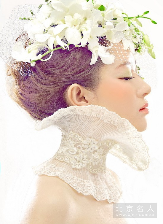 秋月,化妆师