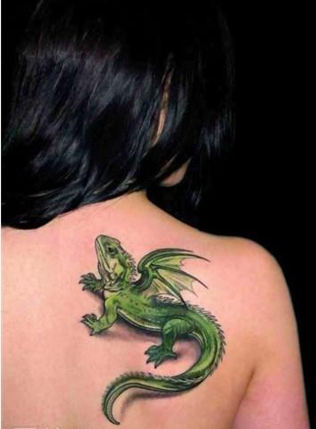 真实后背纹身图案分享展示