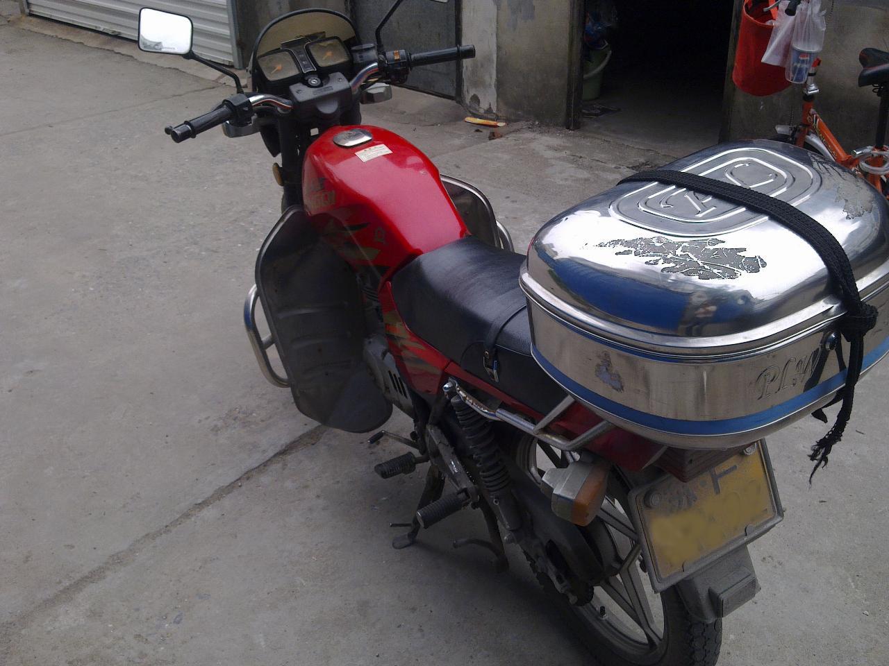 出售二手铃木轻骑摩托车一辆
