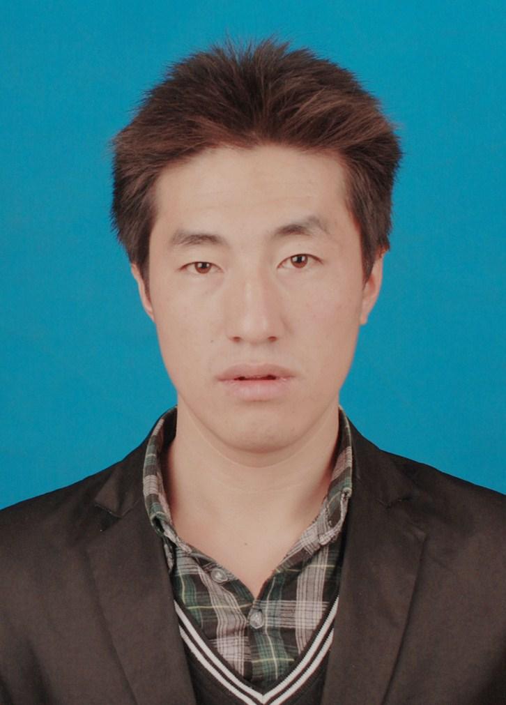 白斌(男,27岁)