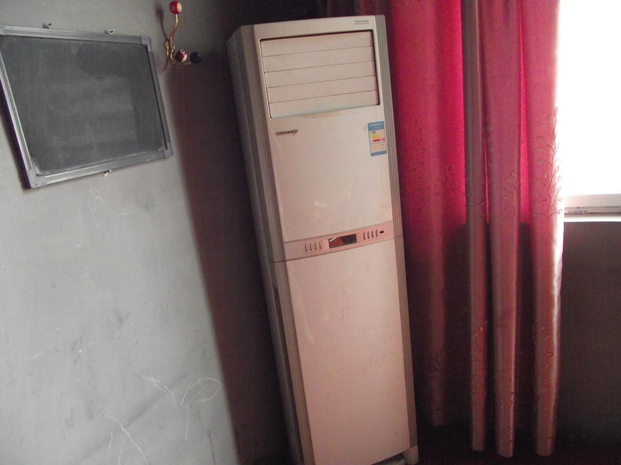 格力三匹柜式空调低价处理