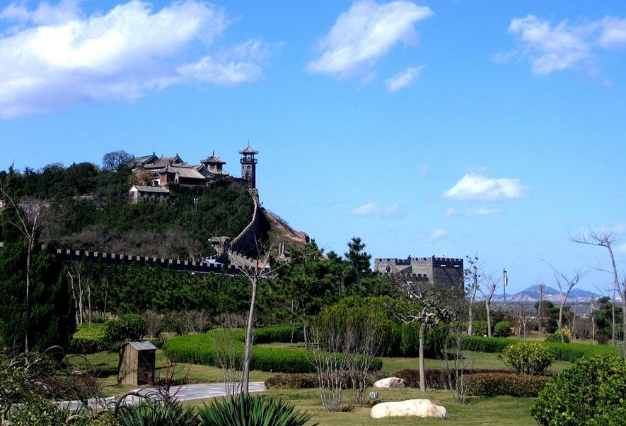 """青岛公园(赠送游览约40分钟):胜景""""琴屿飘灯""""的灯塔"""