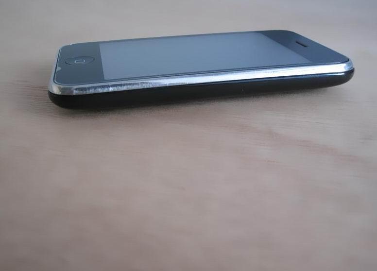 诚心转让iphone3G可议价基本全新