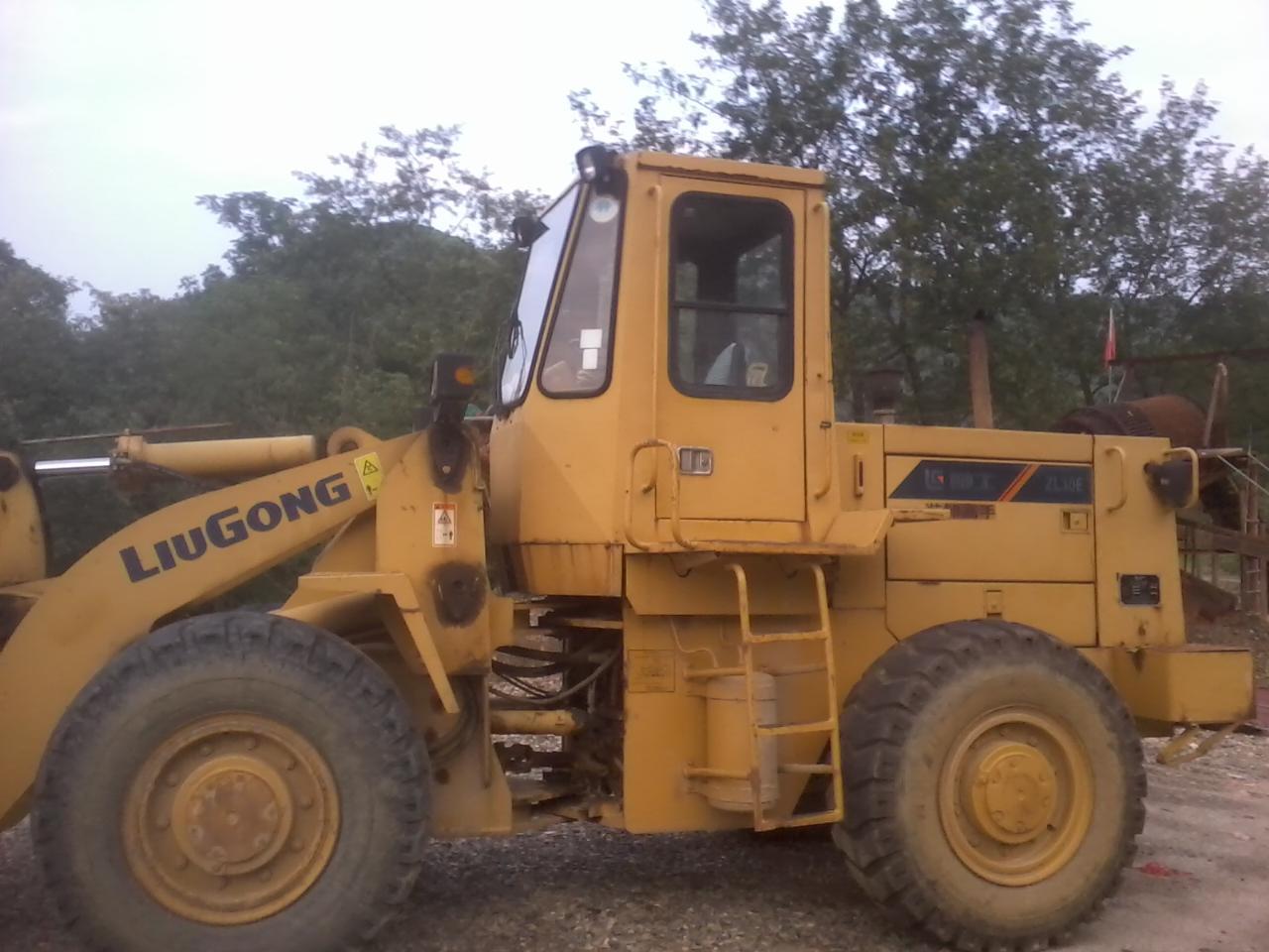 晚上小松450挖机装车 晚上小松4挖机装车 小松450挖机装车
