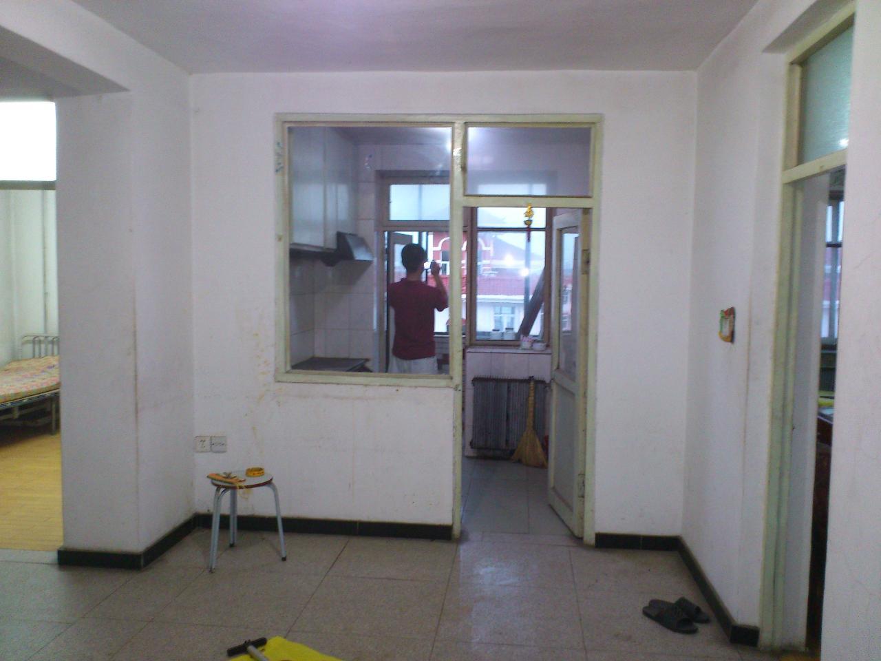 出售新工地二室一厅房屋