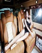 性感的天使美女 从奢华房车中午后梦醒