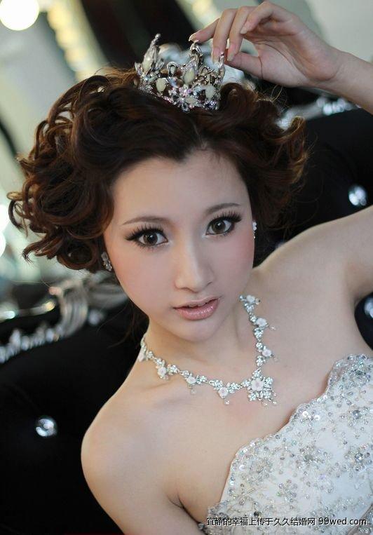 年时尚短发新娘造型 短发的女生也可以性感和可爱