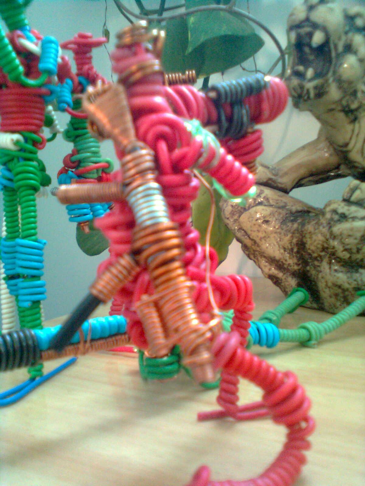 这些手工编织的小动物造型各异