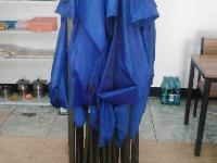 蓝色的大伞,4.5米长,宽3米