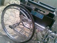 白钢骨架九五成新折叠轮椅