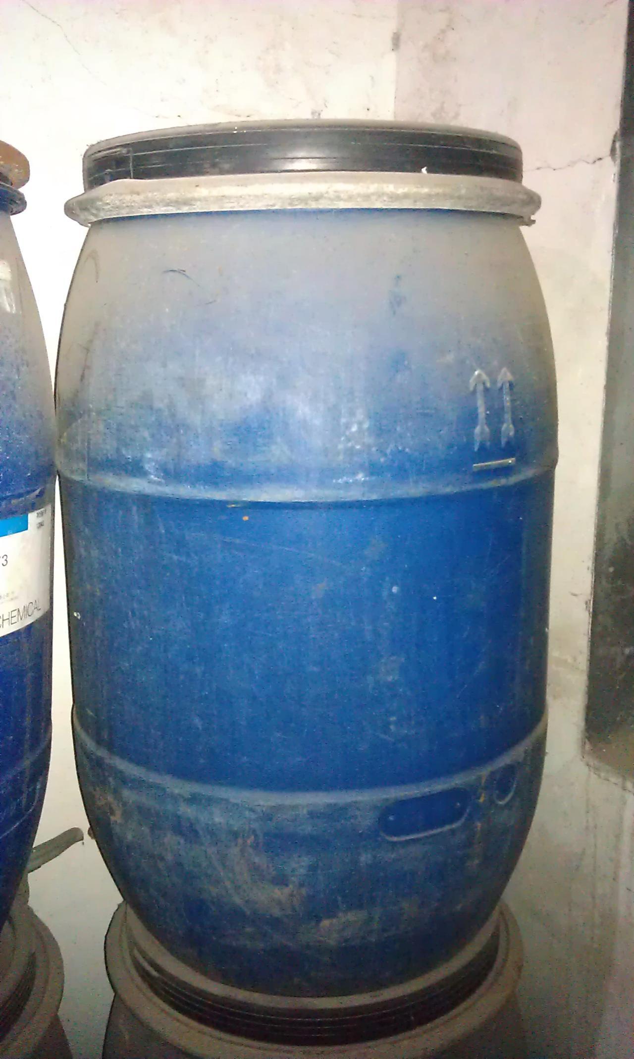 出售大量塑料汽油桶