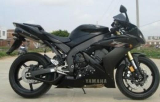 长期出售各款全新进口摩托车
