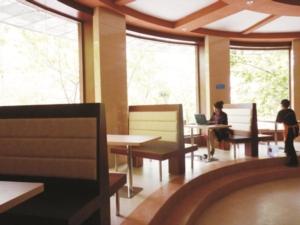澳龙茶餐厅
