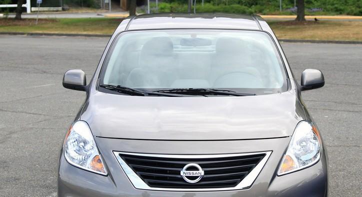 出售二手尼桑阳光车2012年四月购买
