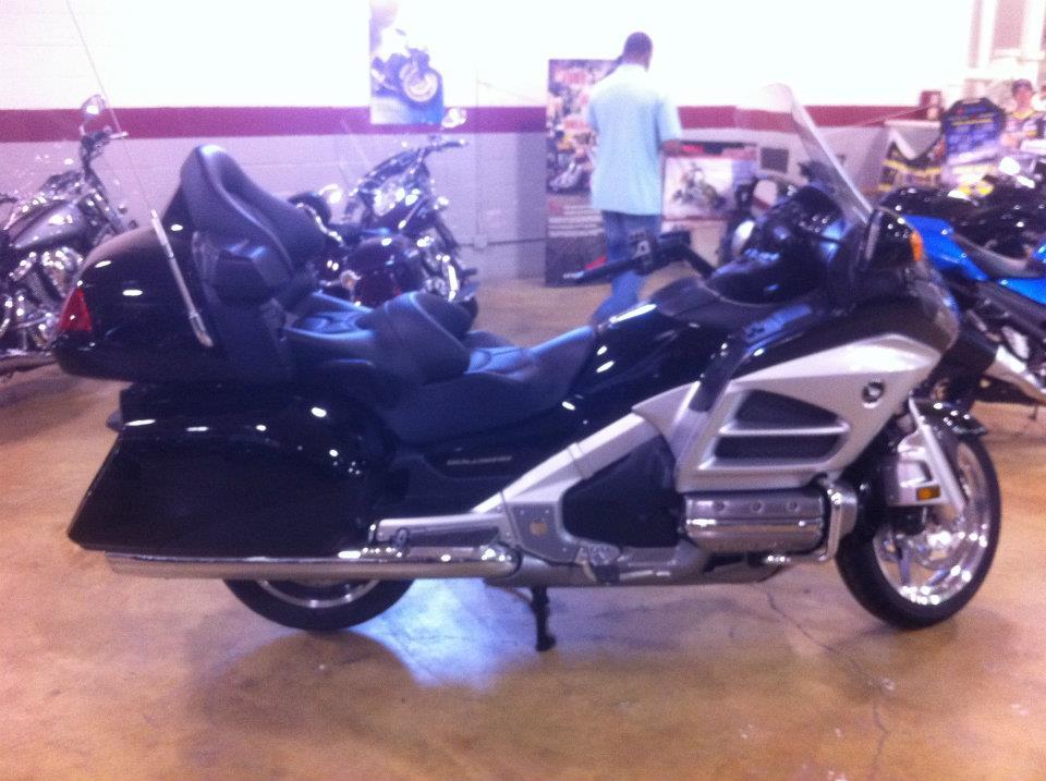 9成新摩托车、电动车低价出售