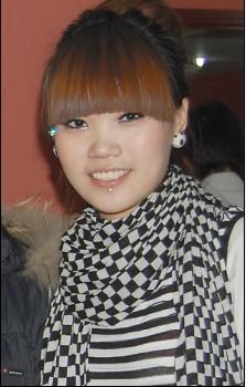 丽娜,化妆师