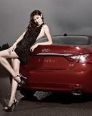 高贵大方车模时尚写真 大胆秀性感裸背