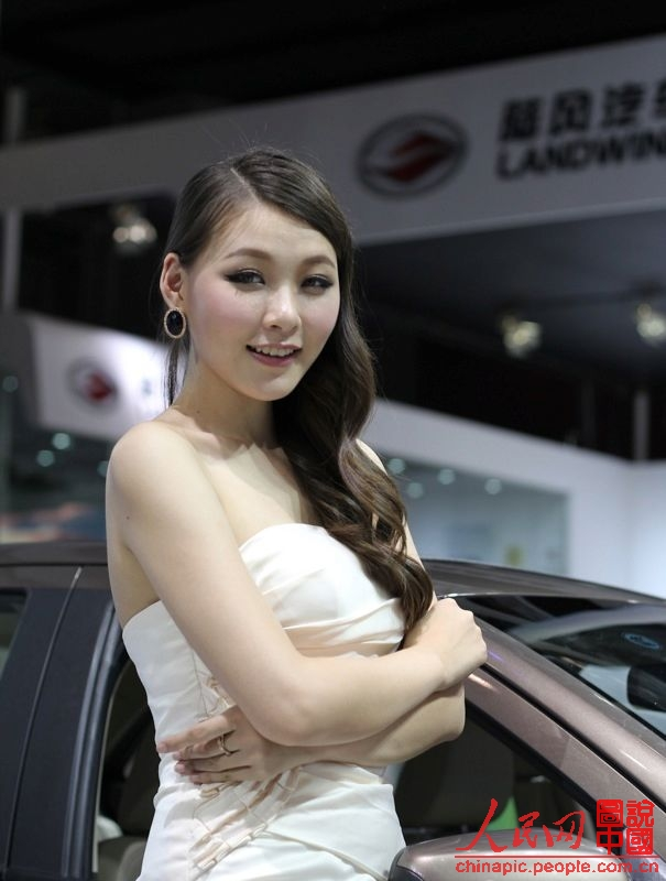 又是一年广州车展,继续只看美女不看车。。