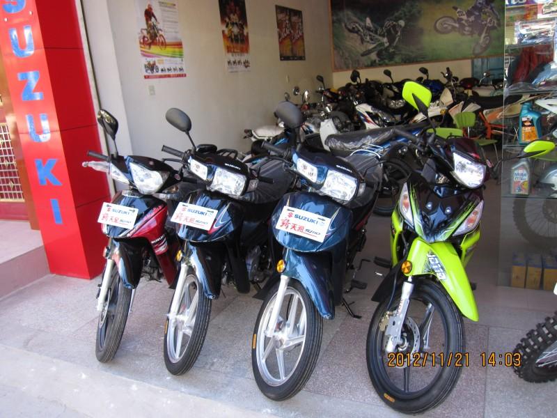 金城铃木摩托车