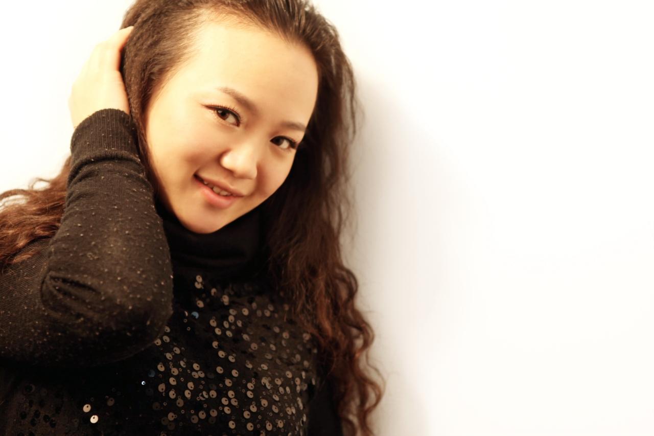 代泽琼,化妆师
