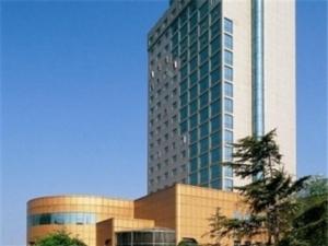 �刂萃醭�大酒店