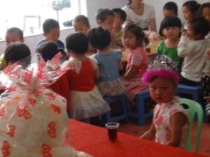 幸福的我,全体幼儿园师生为我过生日