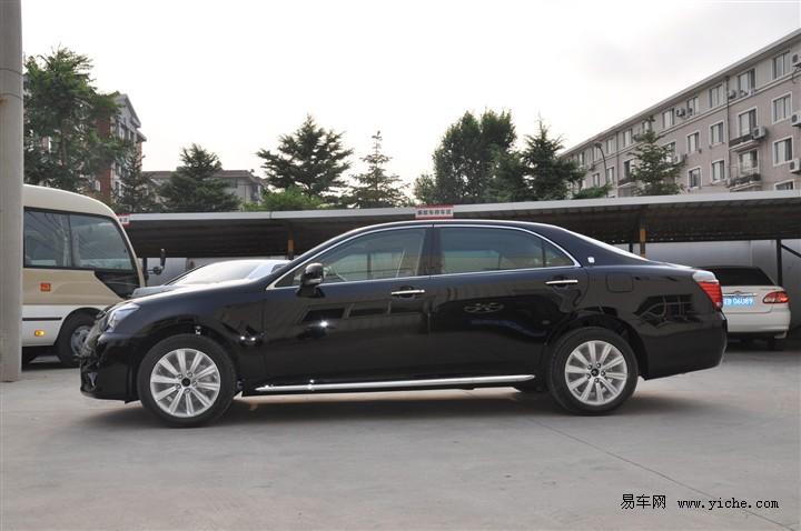 新皇冠 V6 2.5L Royal 2012款