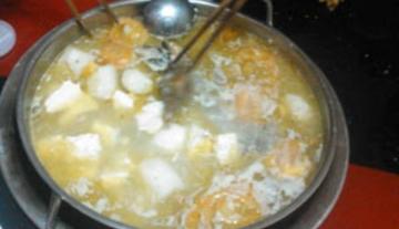 滋补土鸡汤锅