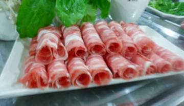 新鲜蔬菜配牛肉卷
