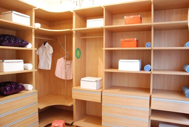 定制整体衣柜,衣帽间,书柜,书桌,电脑桌,装饰柜,酒柜, 餐边柜,梳妆台图片