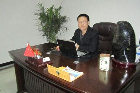 访驰辰汽车销售酒泉分公司总经理简敏林
