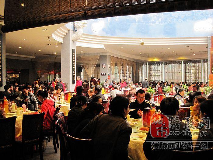 澳门威尼斯人官网龍王舫用餐环境展示