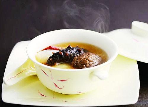 三月里的滋养汤煲 味蕾沉醉中享受进补乐趣