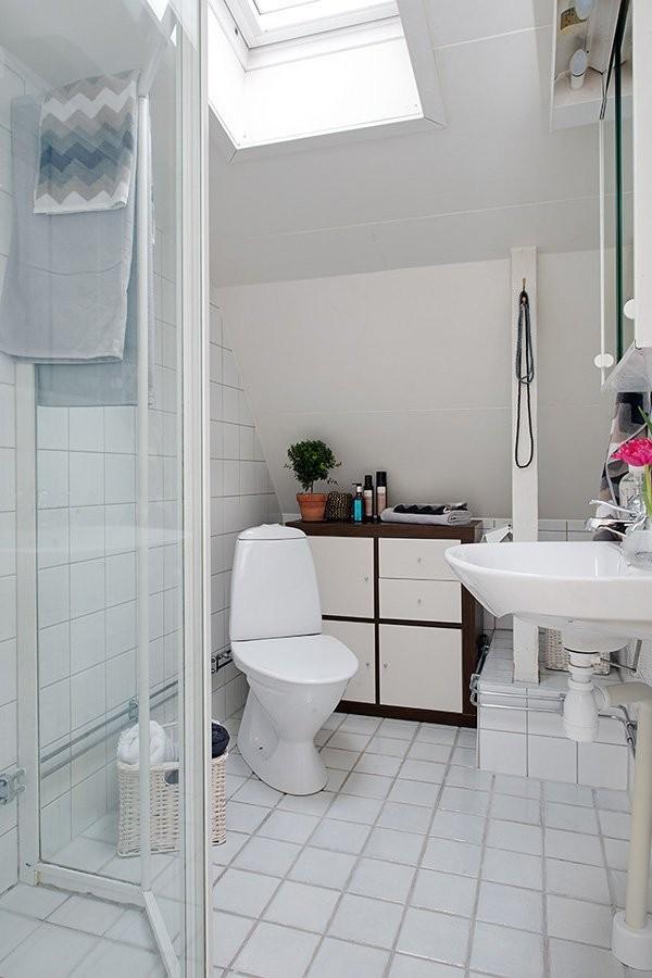 瑞典舒适简约的顶层公寓
